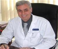 أستاذ صدر بطب القصر العيني: يمكن ارتداء الكمامة طوال اليوم في هذه الحالة