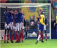 في مثل هذا اليوم.. «كارلوس» يسجل هدفه الإعجازي في مرمى فرنسا.. فيديو