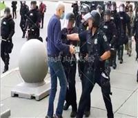 إيقاف ضباط شرطة في «بافلو» دفعوا متظاهرا أرضا.. واستقالات جماعية من زملائهم