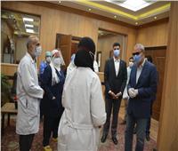 محافظ القليوبية واللجنة العليا لمجابهة فيروس كورونا يتفقدا مستشفى بنها التعليمى