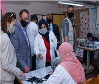 صور| محافظ الإسكندرية يطلق إشارة البدء لإنتاج كمامات قماش بمدارس التعليم الفني