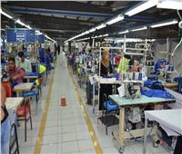 مصانع غرفة الملابس الجاهزة تبدأ توريد 3 ملايين كمامة قماش لـ«الشراء الموحد»