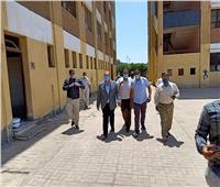 صور| نائب محافظ الجيزة يتفقد مستشفى أبوالنمرس المركزي ولجان الثانوية العامة