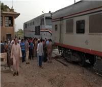 فيديو| عطل بجرار قطار سوهاج يغضب الركاب.. و«السكة الحديد»: الإمداد وصل