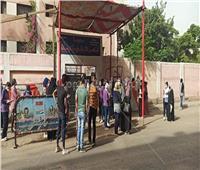فيديو وصور| بالكمامات.. طلاب الثانوية العامة يبدأون أول أيام الامتحانات في مدراس شبرا