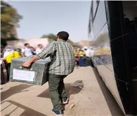صور  وصول أوراق الامتحان استعدادا لأداء مادة اللغة العربية للثانوية العامة