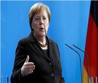ميركل تحث زعماء الاتحاد الأوروبي على تسريع الموافقة على ميزانية وصندوق للتعافي