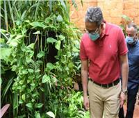 وزير السياحة يزور مستشفى العلمين لتفقد إجراءات الحماية