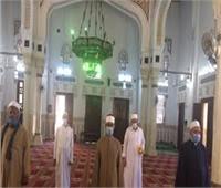 محافظ مطروح يتابع الإجراءات الاحترازية بالمساجد