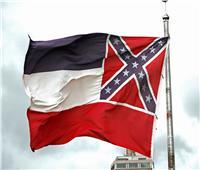 بسبب احتجاجات جورج فلويد.. ولاية أمريكية تعدل علمها