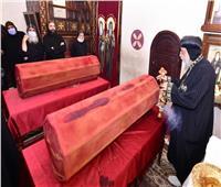 البابا تواضروس يطيب جسدي الأنبا موسى والأنبا إيسيذوروس بدير البراموس