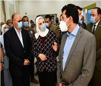 وزيرا «الشباب والتضامن» في جولة تفقدية بحي الأسمرات