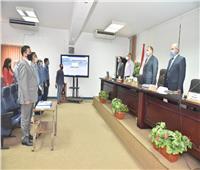 محافظ أسيوط يلتقي مسئولي «التخطيط» لتفعيل خدمات المحليات إلكترونياً