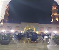 صور| روحانيات وخشوع.. أجواء صلاتي المغرب والعشاء في مدينتي أمس