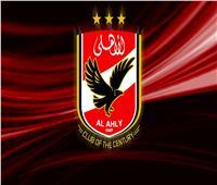 الأهلي يطالب وزير الرياضة بتطبيق القانون وإزالة لافتات نادي القرن من محيط الزمالك