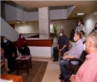 محافظ أسيوط يلتقي أهالي منطقة المصلي ويوجه بإيجاد حلول عاجلة لمشكلة الصرف الصحي