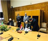 رئيس مصلحة الجمارك يوقع على انضمام مصر لإتفاقية التعاون الجمركي العربي