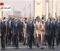 فيديو| الرئيس السيسي يتقدم الجنازة العسكرية للفريق محمد العصار
