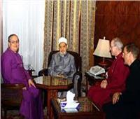 الإمام الأكبر ورئيس أساقفة كنيسة كانتربري: (كورونا) أظهر حاجة الإنسانية للعمل المشترك