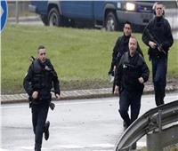 شرطة مقدونيا الشمالية تعثر على 211 مهاجرا في شاحنة بالقرب من الحدود مع اليونان