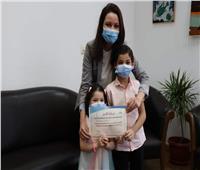 تكريم أسرتي طبيب وممرضة توفا إثر إصابتهم بكورونا خلال تأدية عملهما