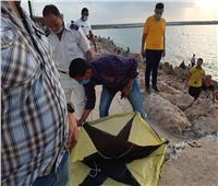 صور| بعد قرار المحافظ.. التحفظ على 99 طائرة ورقية بكورنيش الإسكندرية