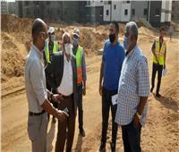 مساعد نائب رئيس هيئة المجتمعات العمرانية يتفقد مشروعات الإسكان والمرافق بمدينة الشروق
