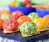 طريقة عمل «كرات البطاطس الملونة»