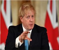 جونسون: إنجلترا قد تكون بحاجة لقوانين أشد صرامة بشأن الكمامات