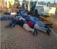 5 قتلى في حادث إطلاق نار داخل كنيسة بجنوب أفريقيا.. واحتجاز رهائن