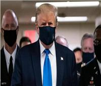 «لقد عبر الجسر»... بيلوسي تعلق على ارتداء ترامب قناع الوجه للمرة الأولى