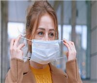 """8 أسباب لوجود رائحة فم كريهة عند ارتداء """"الكمامة"""""""