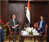 """""""الخطيب"""" لوزير الشباب: رئيس الزمالك أهان مائة مليون مصري"""