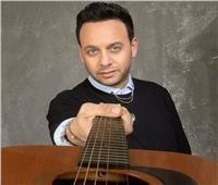 «لمن يهمه الأمر 2».. مصطفى قمر يروج لألبومه الجديد