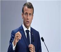 الرئيس الفرنسي يدافع عن وزير متهم بالاغتصاب