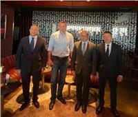 وزير السياحة والآثار في حفل عشاء مع كبرى منظمي الرحلات السياحية بأوكرانيا