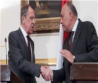 شكري ونظيره الروسي يؤكدان أهمية المفاوضات في التسوية الليبية