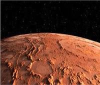 """""""في ظاهرة مثيرة""""..سحابة غامضة تظهر على كوكب المريخ"""
