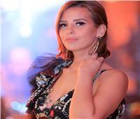 """إيمان العاصي تكشف حقيقة خلافها مع محمد رمضان.. وسر اعتذارها عن """"البرنس"""""""