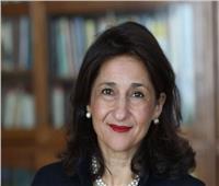 """وزيرة الهجرة تهنئ """"نعمت شفيق"""" على منحها العضوية الدائمة في مجلس اللوردات البريطاني"""