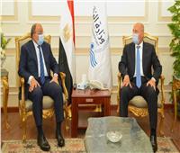 """وزيرا """"النقل والتنمية المحلية"""" يتابعان أعمال رصف وتطوير الطرق في 12 محافظة"""
