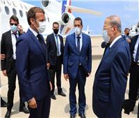 ماكرون يتعرض لموقف محرج في الصالة الرئاسية بمطار بيروت