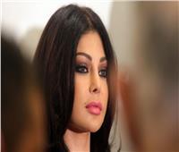 هيفاء وهبي: ماكرون يحتضن لبنانية محرومة من حضن رئيسها.. حالنا جميعا