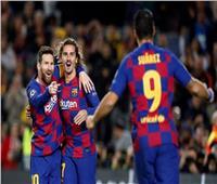 الليلة.. برشلونة يتحدى نابولي لإنقاذ موسمه في دوري الأبطال