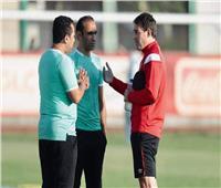 عبد الحفيظ يعلن سلبية المسحة الطبية للاعبي الأهلي