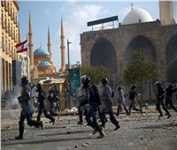 مقتل شرطي لبناني خلال اشتباكات مع المتظاهرين بوسط بيروت