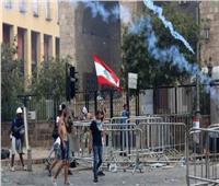المتظاهرون اللبنانيون يقتحمون وزارة الاقتصاد ويشعلون النار بشاحنة بوسط بيروت