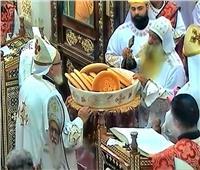 صور| قداس تذكار الأربعين للمتنيح القمص باخوميوس بنجع حمادي