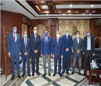 محافظ المنيا يستقبل رئيس الاتحاد المصري للميني فوتبول