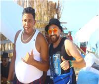 صور| حمو بيكا يلتقط «السيلفي» مع جمهور الساحل